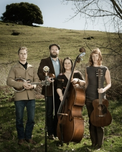 The Foghorn Stringband (portrait, photo by Mike Melnyk)