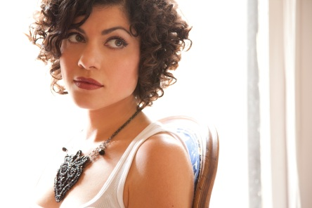carrie-rodriguez-01